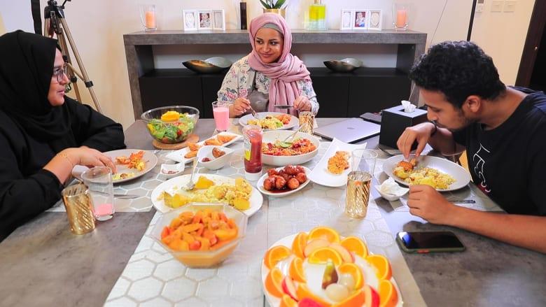 كيف تقضي العائلات العربية شهر رمضان في ظل جائحة فيروس كورونا؟