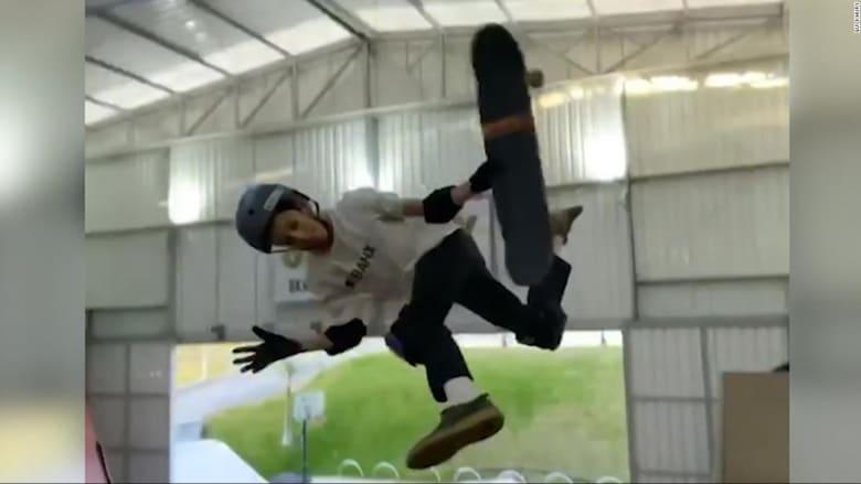 طفل بعمر 11 عامًا يحقق رقمًا قياسيًا في رياضة لوح التزلج