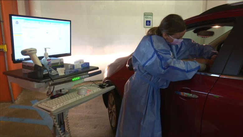 مستشفى يقدم فرصة العلاج لمرضى السرطان دون حاجتهم لمغادرة سيارتهم