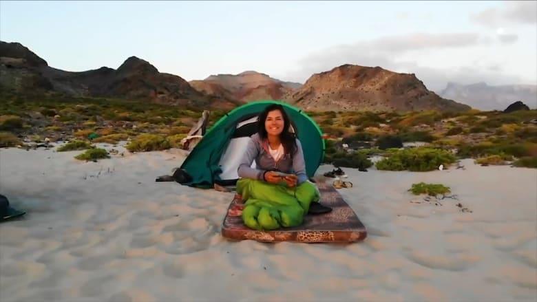 """نجمة الـ""""يوتيوب"""" إيفا زو بيك تعزل نفسها في جزيرة سقطرى اليمنية بسبب فيروس كورونا"""