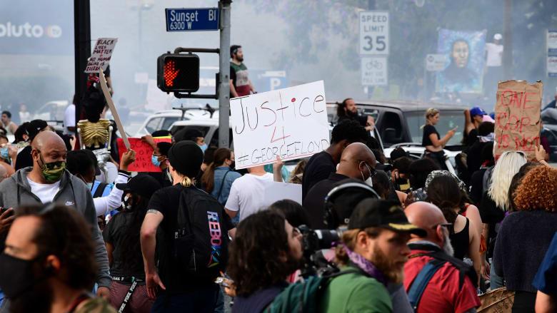 الاحتجاجات في أمريكا.. تخاوف متزايد من تفش أكبر لفيروس كورونا