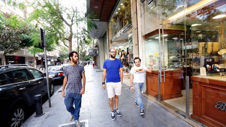 أزمة لبنان.. مبادرة فردية إلكترونية تحظى باهتمام المشاهير لدعم الاقتصاد
