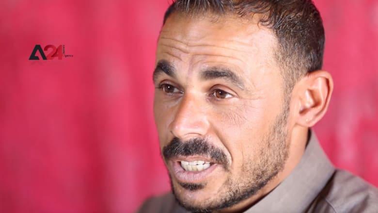 """مهنة ورثها عن أجداده.. """"أبو صلاح"""" صانع الأسنان الذهبية في خيام سوريا"""