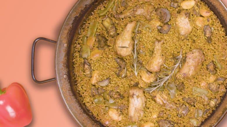 """هذه الطريقة الأصيلة لتحضير طبق """"البايلا"""" الإسباني"""