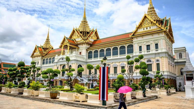 بعد تسوية منحنى كورونا.. افتتاح القصر الكبير بتايلاند بظل إجراءات صارمة