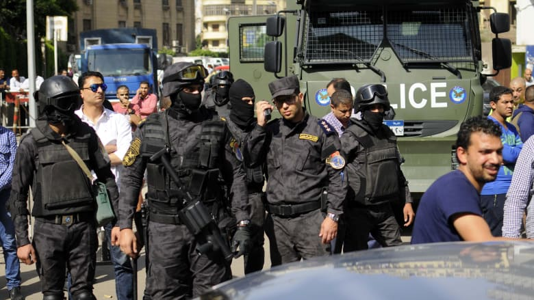 صورة أرشيفية لعناصر بالأمن المصري