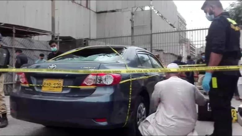 شاهد آثار الهجوم على بورصة كراتشي الباكستانية