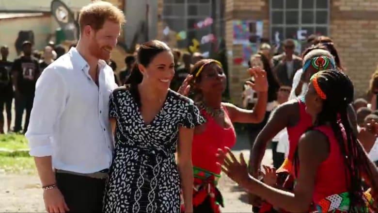 """الأمير هاري وزوجته ميغان يطالبان بريطانيا بالاعتراف بـ""""الماضي الاستعماري"""""""