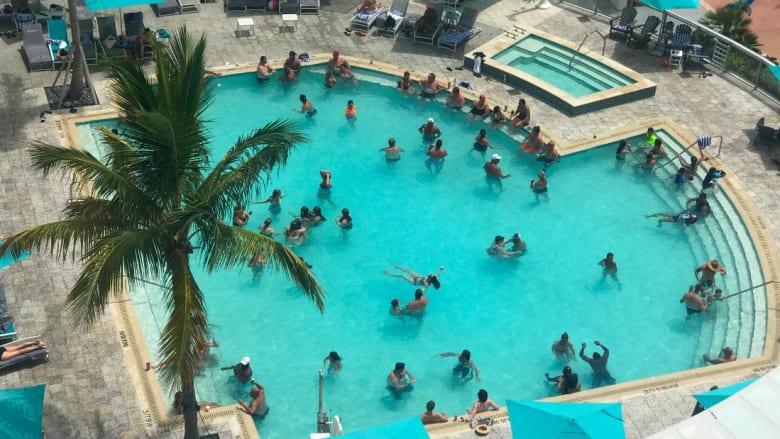 السفر إلى فلوريدا في زمن كورونا.. هل يغامر الأمريكيون بحياتهم؟