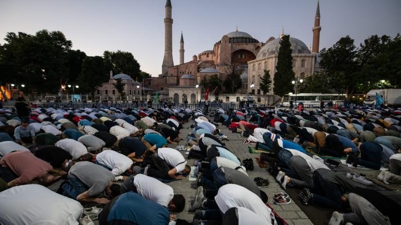 """""""آيا صوفيا"""" إلى مسجد.. مفتي عُمان يصف أردوغان بـ""""القائد المغوار"""": لم يثنه نعاق الناعقين"""