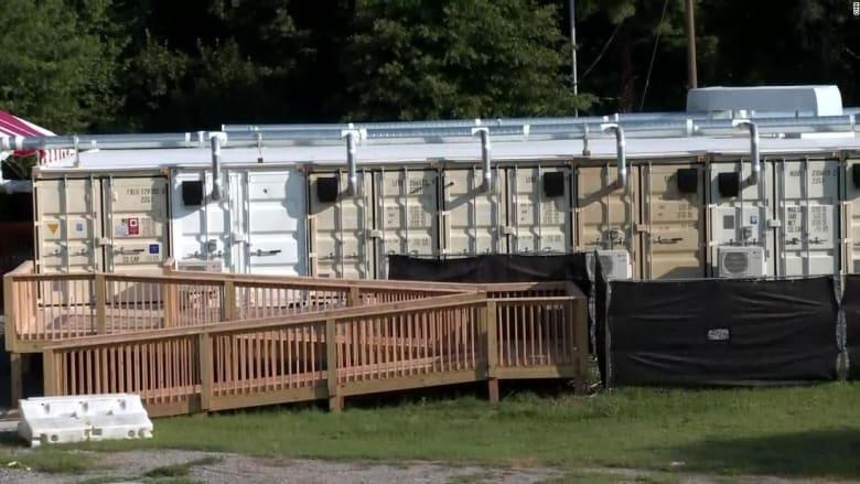 مستشفى أمريكي يحوّل حاويات شحن إلى وحدة خاصة بمرضى فيروس كورونا
