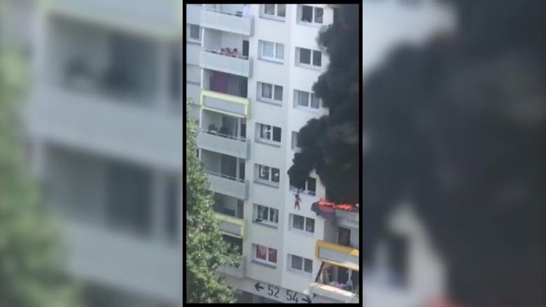طفلان يقفزان من الطابق الثالث هرباً من حريق بشقة مشتعلة في فرنسا