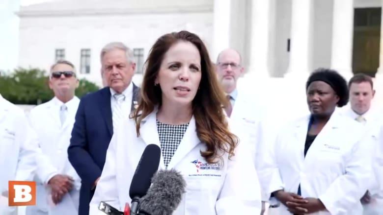شركات التواصل الاجتماعي تحذف فيديو يزعم التوصل إلى علاج لفيروس كورونا