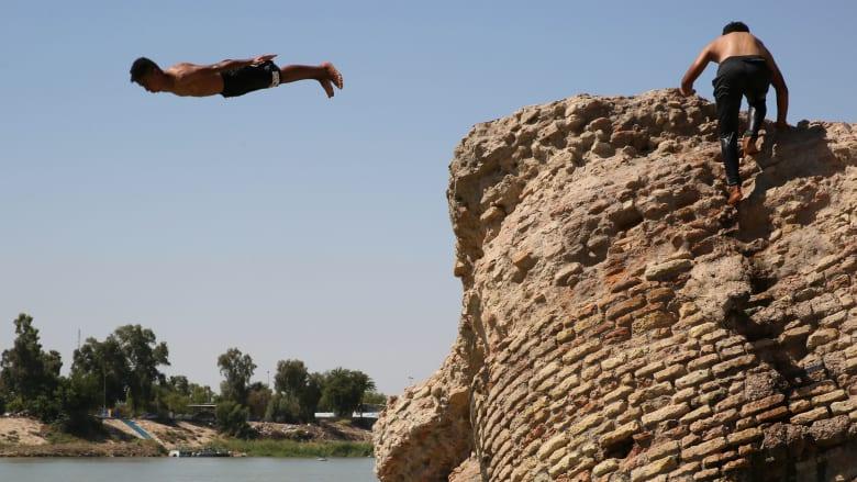 الشرق الأوسط يصارع موجة الحر خلال عيد الأضحى وعودة ارتفاع إصابات كورونا