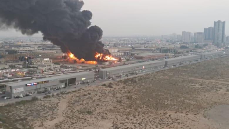 شاهد اللحظات الأولى لاندلاع حريق هائل في سوق شعبي في عجمان