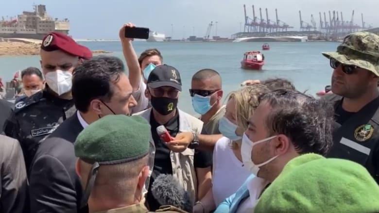 صحفية تسأل رئيس وزراء لبنان إذا كان يخشى مقابلة الناس.. شاهد كيف رد؟