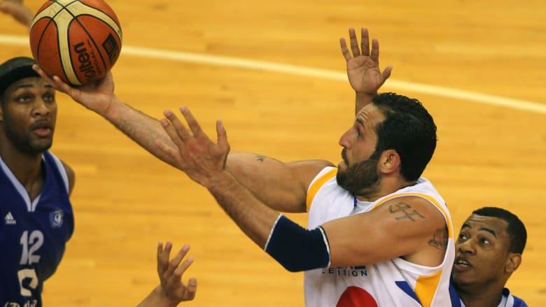نجم السلة اللبناني فادي الخطيب لـCNN: ما تشاهدونه في التلفاز لا يعكس الدمار الحقيقي