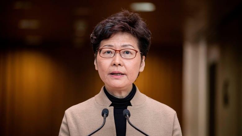 واشنطن تفرض عقوبات على رئيسة سلطة هونغ كونغ و10 مسؤولين بسبب قانون للأمن القومي