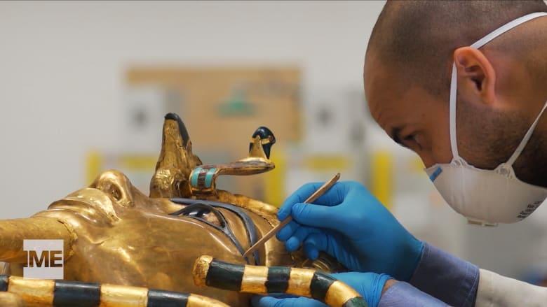 أكثر من 5000 قطعة من الذهب والكنوز.. القوا نظرة على جهود الترميم التي يتم بذلها في مصر للحفاظ على تراث توت عنخ آمون