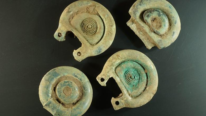 اكتشاف كنز عمره 3 آلاف عام يعود للعصر البرونزي في اسكتلندا
