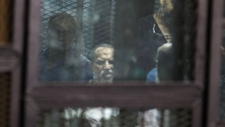 صورة ارشيفية لعصام العريان خلال جلسة محاكمة في مصر العام 2014