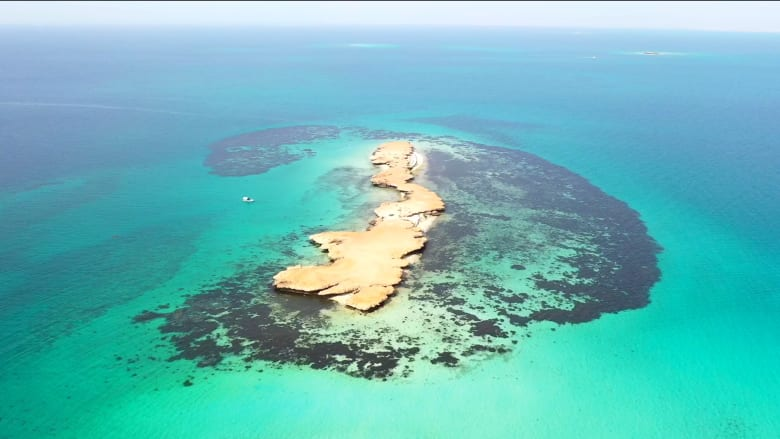 """جولة بصرية تثير الاهتمام وجزر فرسان تلقب بـ""""مالديف السعودية"""" لهذا السب"""
