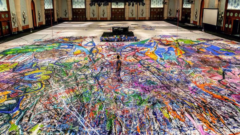 أكبر لوحة في العالم على القماش - ساشا جفري
