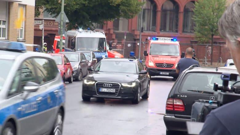 لحظة وصول موكب زعيم المعارضة الروسية مستشفى شاريتيه في برلين