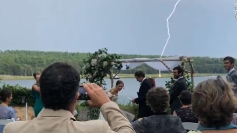 200827224241-wedding-lightning-strike-super-169.jpg