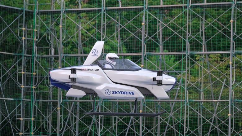 """شركة يابانية تختبر بنجاح """"سيارة طائرة"""" مأهولة لأول مرة"""