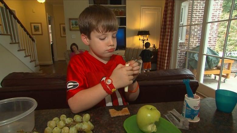 إليكم نصائح حول بعض الوجبات الخفيفة الصحية لتقديمها لأطفالكم أثناء الجائحة