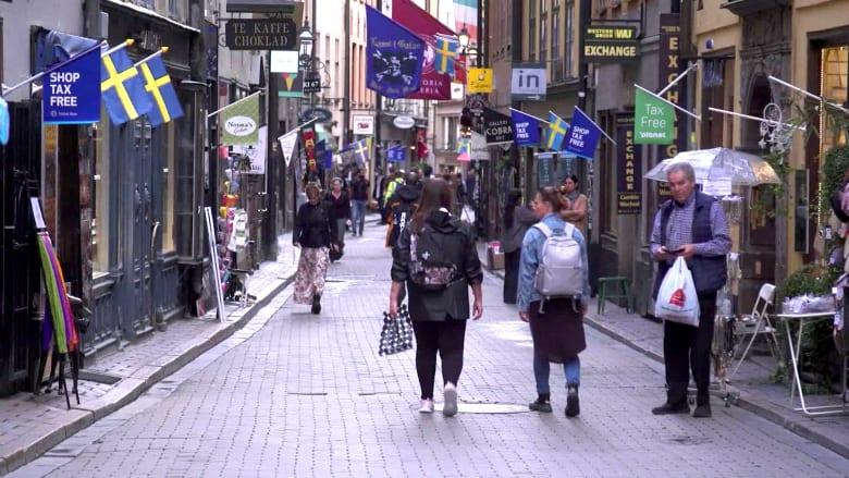 السويد لديها أحد أدنى معدلات وفاة كورونا بأوروبا.. هل كان الثمن باهظا؟