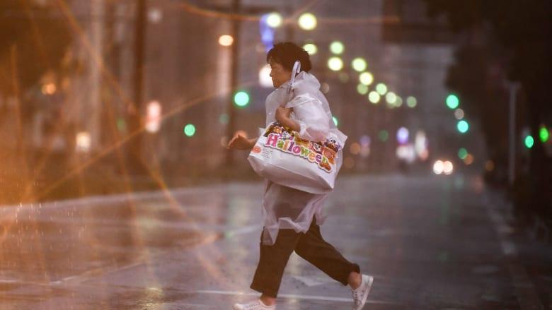 أمر بإخلاء 1.84 مليون شخص تزامنا مع إعصار هايشن باليابان