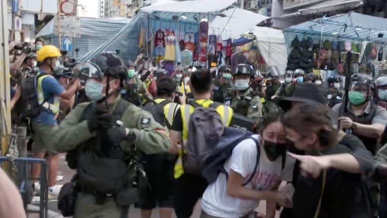 اعتقال 300 متظاهر في هونغ كونغ في احتجاجات ضد تأجيل الانتخابات