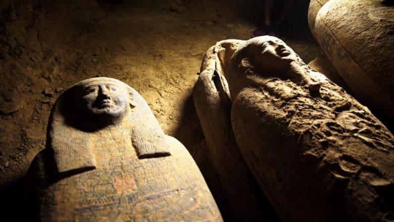 العثور على بئر بها توابيت مغلقة منذ 2500 عام بمنطقة سقارة