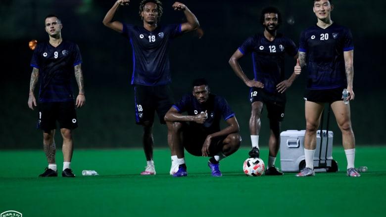 الهلال السعودي يعلن إصابة 5 من لاعبيه فيروس كورونا خلال تواجدهم في قطر