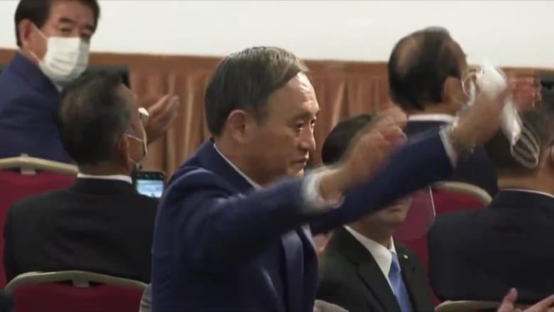 الحزب الحاكم في اليابان يختار خليفة شينزو آبي