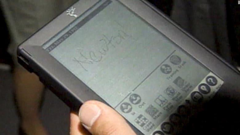 """فشل فشلاً ذريعاً.. هذا كان أول جهاز """"آيباد"""" من آبل"""