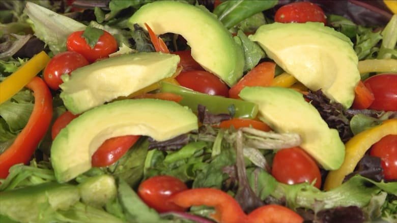 ما هي الأطعمة المناسبة لكل مرحلة عمرية مختلفة؟