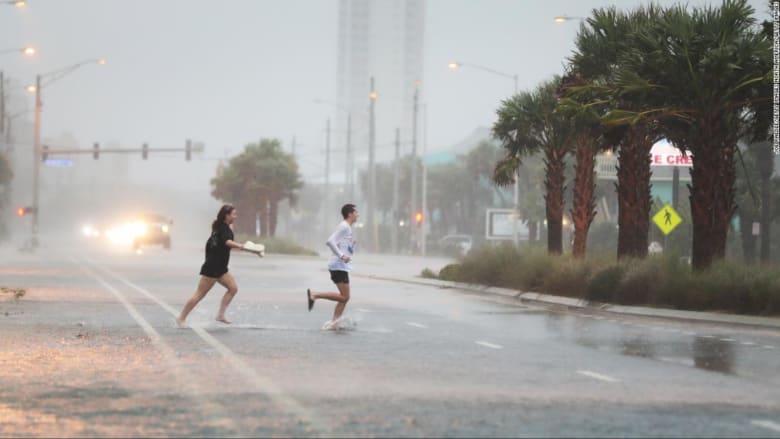 """شاهد الدمار الذي خلفه إعصار """"سالي"""""""