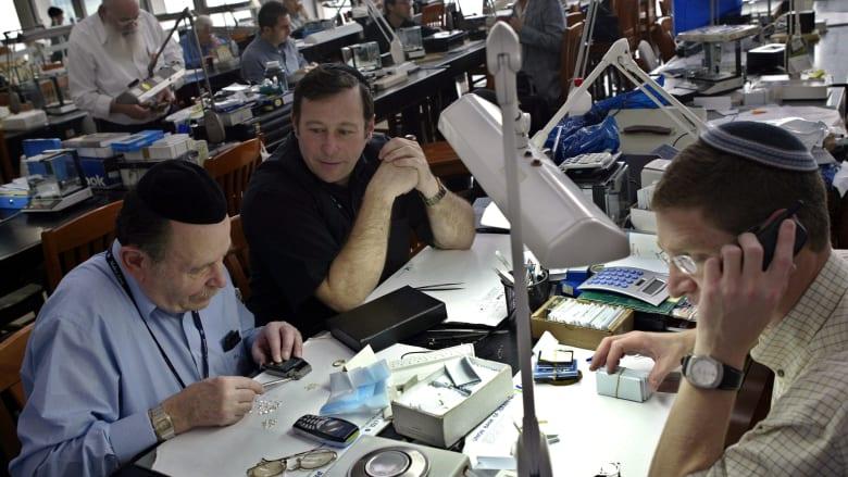 بورصتا الماس في دبي وإسرائيل بصدد فتح مكتبين لهما بالبلدين
