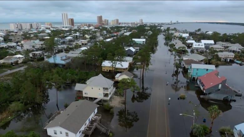 """الإعصار """"سالي"""" يضرب آلاباما وفلوريدا.. ولقطات درون تُظهر الأضرار"""