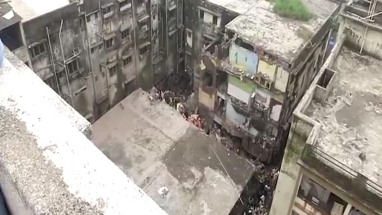 لحظة انهيار مبنى ومقتل 10 أشخاص قرب مومباي