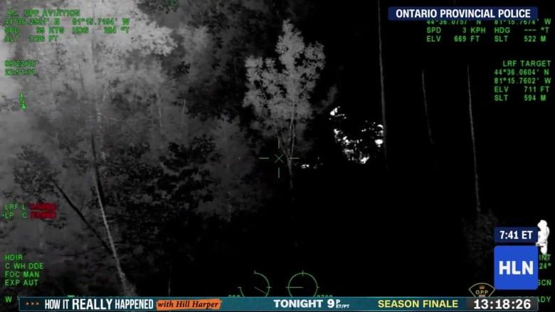 رصدته الشرطة من السماء في حلكة الليل.. إنقاذ طفل كان مفقودا وسط غابة في كندا