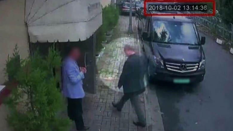 جمال خاشقجي لحظة دخوله للقنصلية السعودية بإسطنبول قبيل مقتله في 2 أكتوبر عام 2018