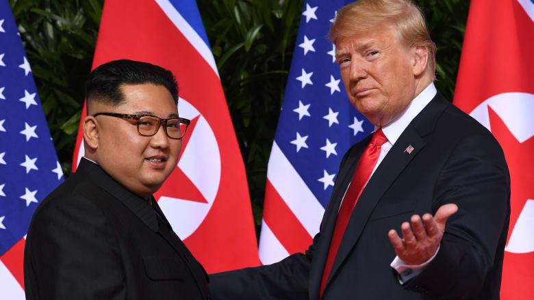 """زعيم كوريا الشمالية يوجه """"تحية حارة"""" لترامب وميلانيا بعد إصابتهما بفيروس كورونا"""
