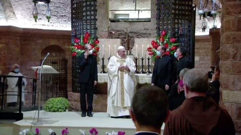 بابا الفاتيكان يسافر خارج روما لأول مرة منذ جائحة فيروس كورونا