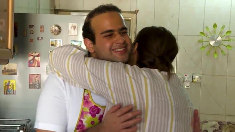 تواصل بالألوان.. عراقية تتغلب على كورونا بدعم طفلها المُصاب بالتوحد