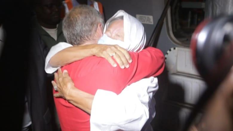 """""""كنت متأكدة أنني سأعود"""".. إطلاق سراح عاملة إغاثة بعد1381 يومًا من الاختطاف"""