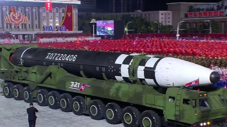 كيم جونغ أون يكشف عن سلاح نووي جديد.. ويبكي لدى إعلانه خلو كوريا الشمالية من كورونا